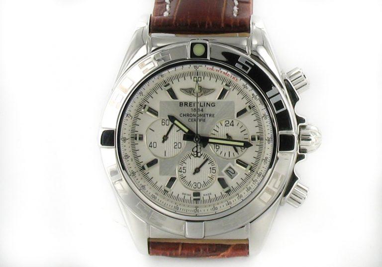 Breitling Chronomat B01 stahl - weiss mit Leder braun